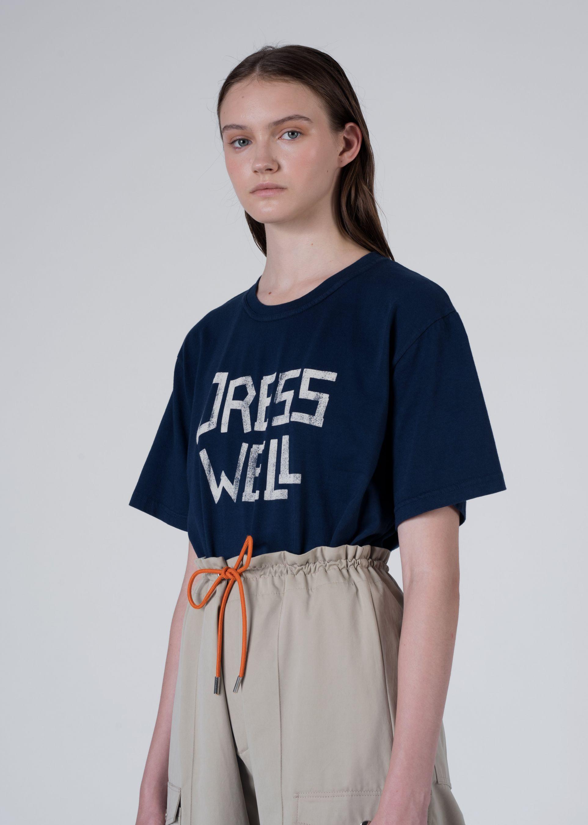DRESS WELL TEE