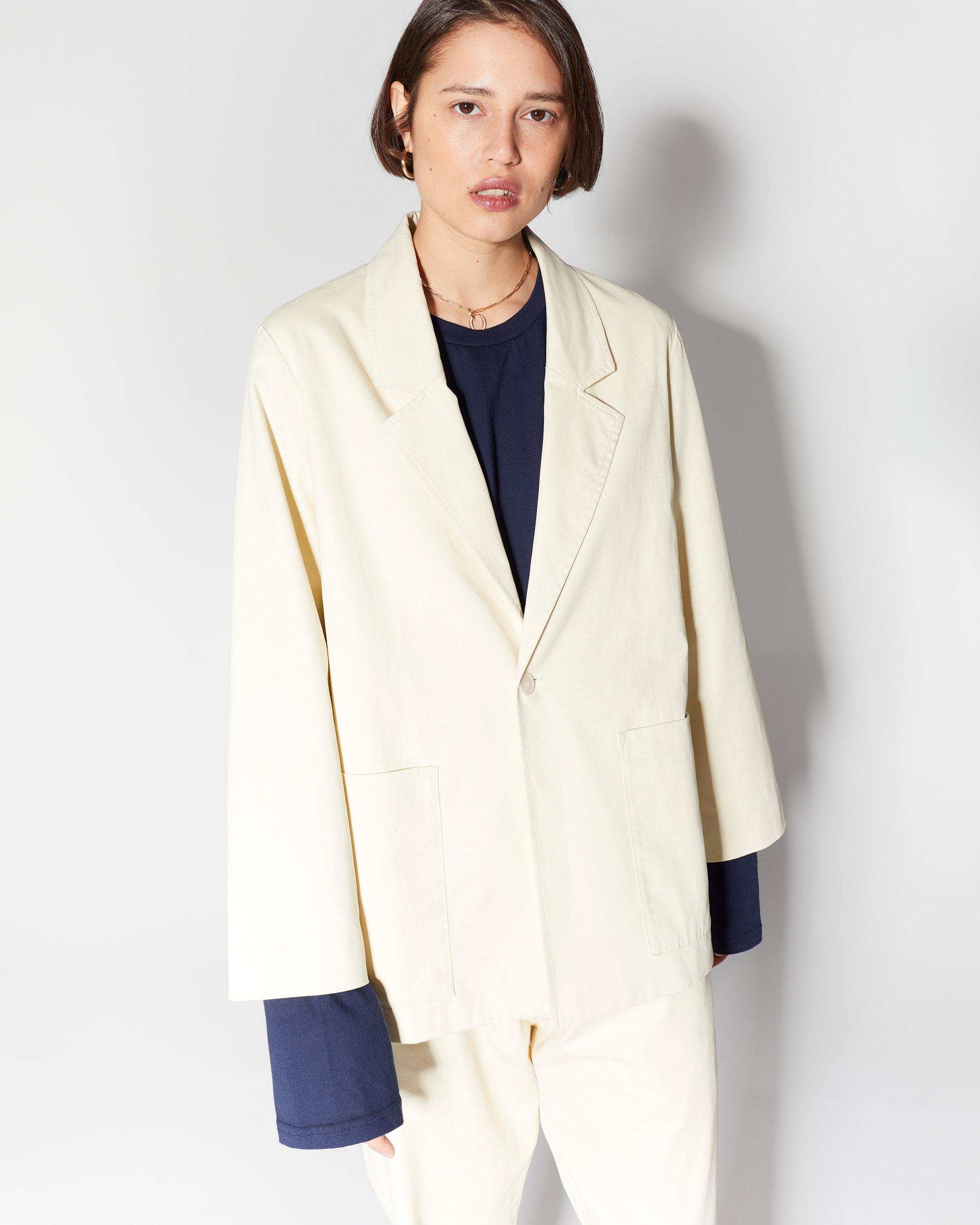 outerwear 3  suit vest beige 210415 ecom 655